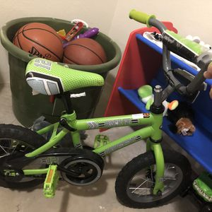 Boys Bike with Helmet for Sale in Plainfield, IL