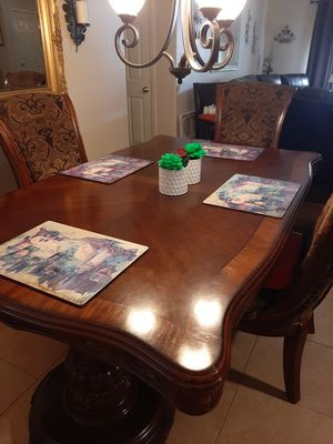 All wood dining room set for Sale in Payson, AZ