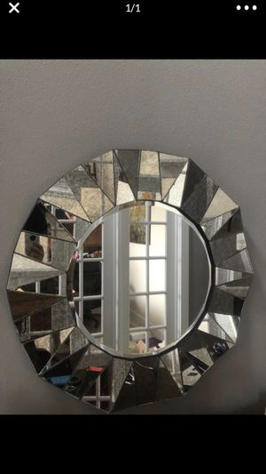 Wall mirror from Zgallery for Sale in Vancouver, WA