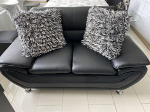 SMALL SOFA BLACK NEW for Sale in Hollywood, FL