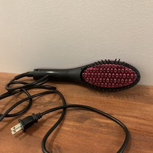Ceramic Brush Hair Straightener for Sale in Queens, NY