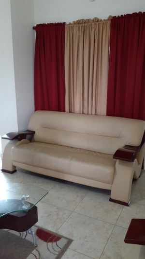 MUY BUENOS !!!!! LIKE NEW for Sale in Riviera Beach, FL