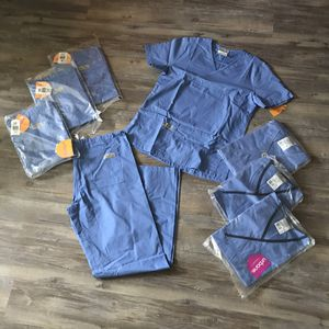 Women's Scrubs (Extra Small) for Sale in Austin, TX