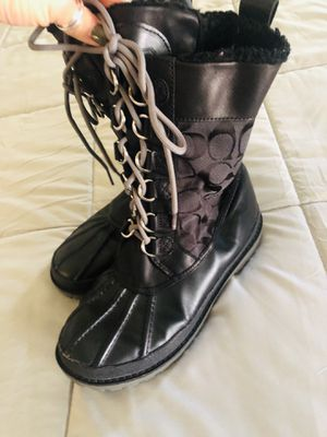 Coach leather and fur hiking / Duck boots for Sale in Cape Coral, FL