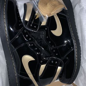 Black Metallic Gold 1s for Sale in Lancaster, PA