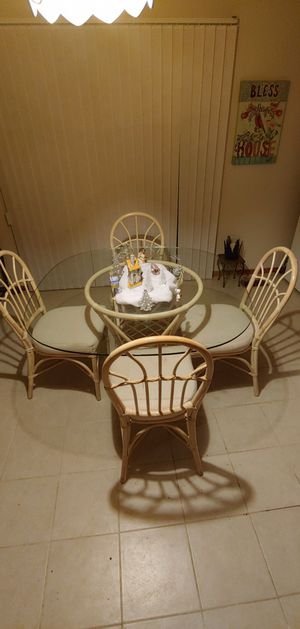 Glass kitchen table with chairs for Sale in Mableton, GA
