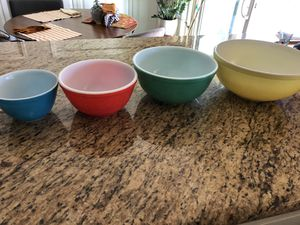 Classic Pyrex glass mixing bowls for Sale in Tucson, AZ
