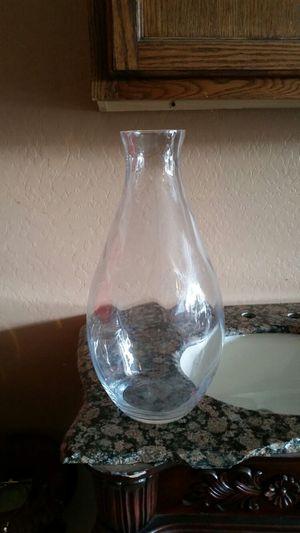 Big flower vase for Sale in Tolleson, AZ