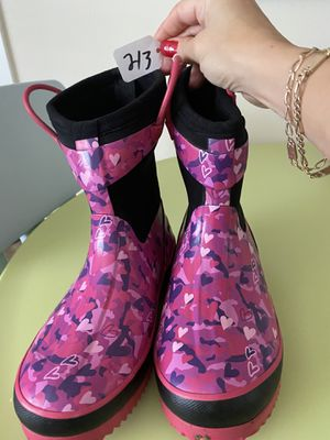 Brand new rain boots size 2/3 for Sale in Puyallup, WA