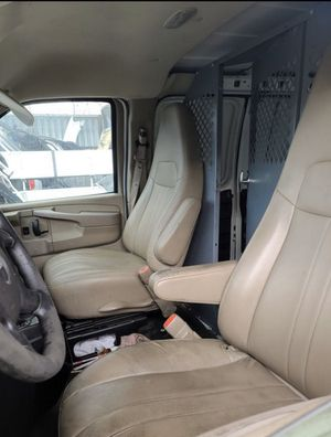 PARTING OUT 2011 GMC SAVANA 3500 VAN FOR PARTS ONLY !!! for Sale in Los Angeles, CA