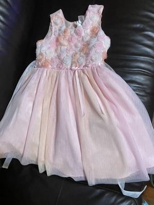 Dress size 5 delivery for Sale in Glendale, CA