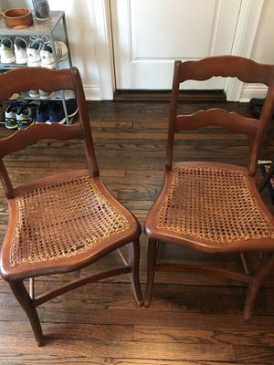 Pair of antique dining chairs! for Sale in Cleveland, OH