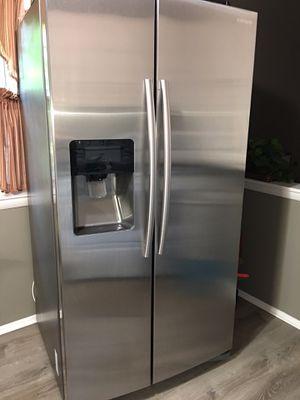 Samsung Refrigerator / Freezer for Sale in Parkville, MD