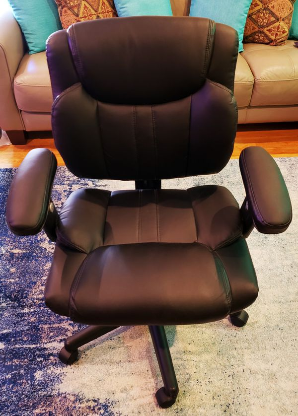 Like New STAPLES Never Used Assembled 360° Swivel Chair and Triangular Corner Desk