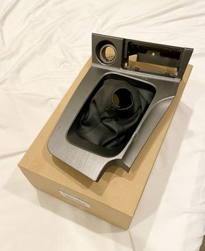 1999-2002 Nissan Skyline GTR GT-R R34 OEM leather shift boot w/console (used) for Sale in Irvine, CA