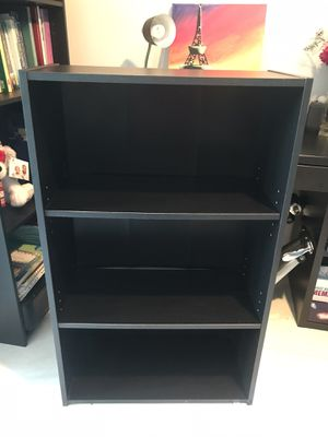 Small black book shelf must go!!! for Sale in Miami, FL