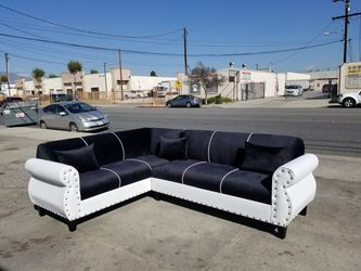 NEW 7X9FT WHITE LEATHER SOFA COUCH for Sale in Santa Ana,  CA