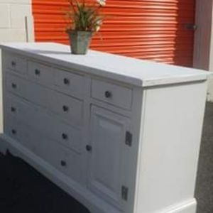 MODERN WHITE DRESSER WITH BUG DRAWER DRAWER WORKING WELL GREAT CONDITION for Sale in Fairfax, VA