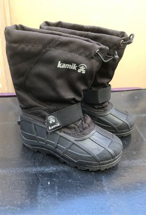 Snow boots for kids size , 12c for Sale in Paramount, CA