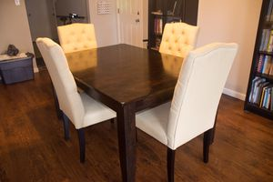 Wooden dining table with chair for Sale in Dallas, TX