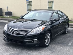 EXTRA CLEAN 2015 HYUNDAI AZERA for Sale in Clearwater, FL