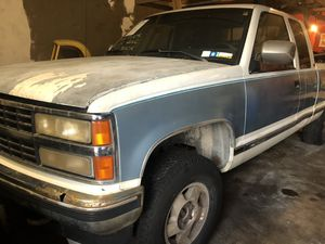 1992 Chevy Silverado 2500 / 4x4 / 5 Speed Manual Transmission for Sale in Hercules, CA
