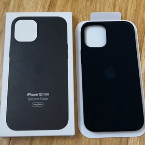 MagSafe Silicone Case Black For iPhone 12 Mini for Sale in Antioch, CA