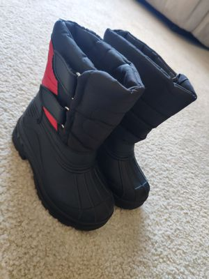 Kids snow boots size 7 for Sale in Union City, CA