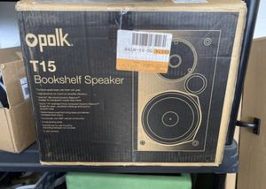 Speakers Polk T15 bookshelf speakers. for Sale in High Point, NC