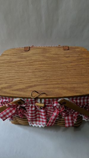 1992 large Longaberger picnic basket for Sale in Thurmont, MD