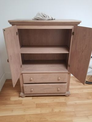 Dresser/bed/ lilttle table for Sale in Fairfield, CT