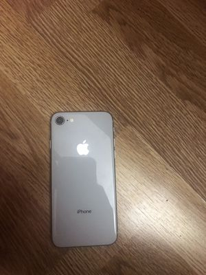 iPhone 8 for Sale in Nashville, TN