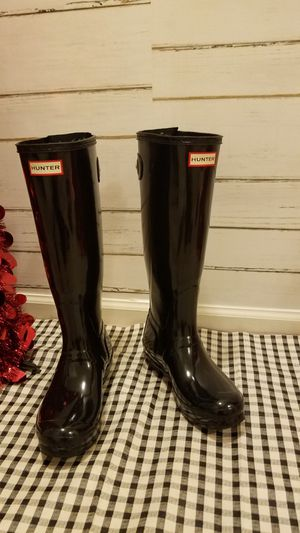 Hunter black rubber boots sz 7 for Sale in Swedesboro, NJ