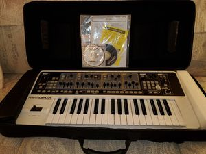 Roland GAIA SH-01 Synthesiser, used once for a church concert !!!!!! for Sale in Orange, CA