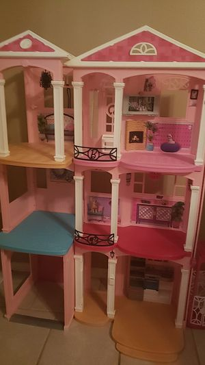 Barbie house for Sale in San Angelo, TX