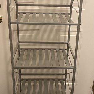 Tower Metal Shelf for Sale in Yelm, WA