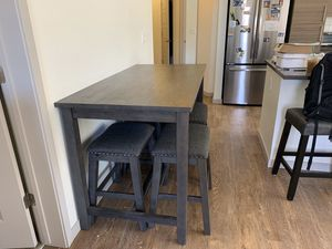 American Furniture Warehouse bar table w/ 4 bar stools for Sale in Englewood, CO