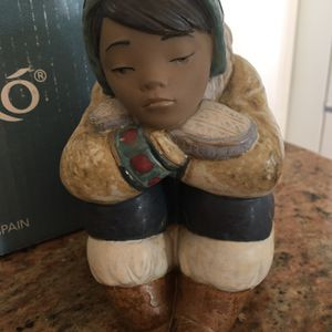Lladro #2159 Pensive Eskimo Boy for Sale in Mission Viejo, CA