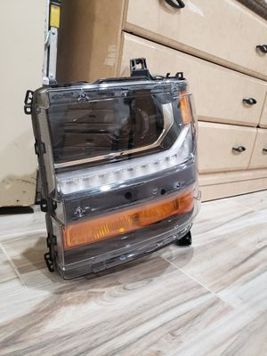 2016-2018 Silverado LS/ LT left headlight for Sale in Moreno Valley, CA