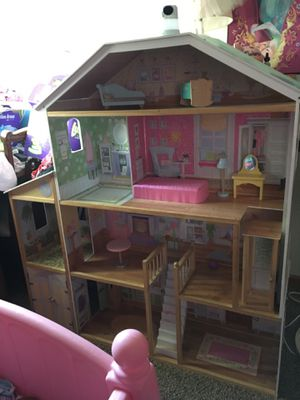 Kids Doll House - 3 Story for Sale in Wellington, CO