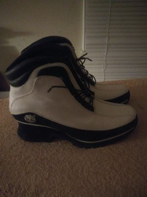 New drop! White ladies/girls Timberland shoes/boots, size 7 1/2 for Sale in Charlotte, NC