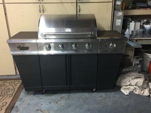 Bbq grill for Sale in Sacramento, CA