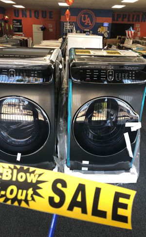 SAMSUNG BLACK STAINLESS HIGH-EFFICIENCY FLEXWASH WASHER AND DRYER for Sale in Ontario, CA