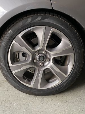 "RANGE ROVER BRAND NEW HSE 21"" RIM AND TIRES for Sale in Orlando, FL"