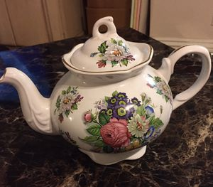 Vintage floral teapot for Sale in Ontario, CA