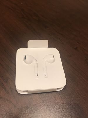 New! Apple IPhone ear wired buds for Sale in Silver Spring, MD