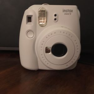 Mini instant camera + 50 wedding props bundle for Sale in St. Louis, MO