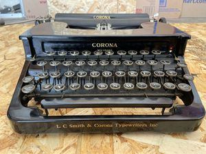 1938 Corona Standard TYPEWRITER antique Yes works. for Sale in Los Angeles, CA