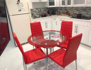 Red Dining Room. New for Sale in Miami, FL
