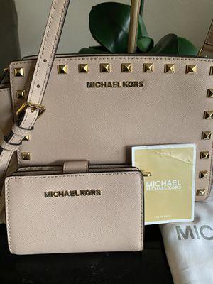 Michael Kors handbag and Wallet for Sale in Los Angeles, CA